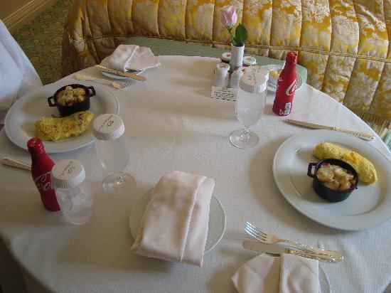The Westgate Hotel: Breakfast-Room service