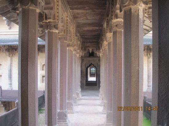 Datia, India: The Amazing Corridors