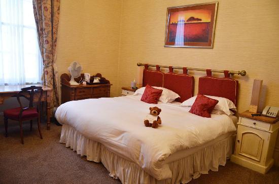 Clarence Court Hotel: Standard Bedroom