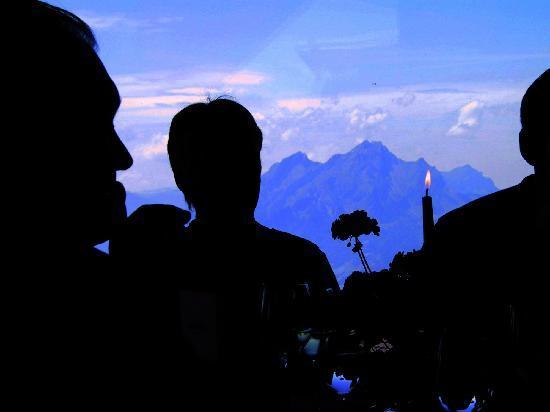 Hotel Restaurant Bergsonne : mit fantastischem Ausblick