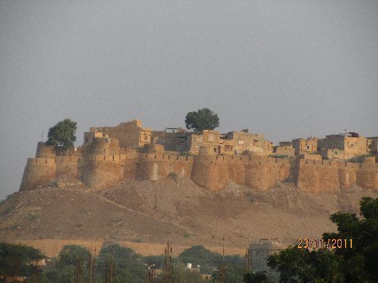 Hotel Golden Haveli: Fort view