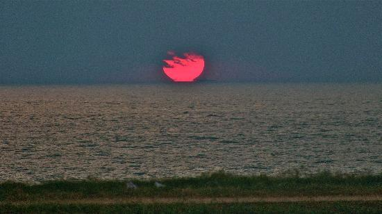 Ocean View Guest House: Sunset