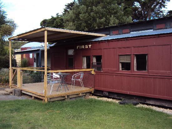 Codrington Gardens: Train Carriage Overland