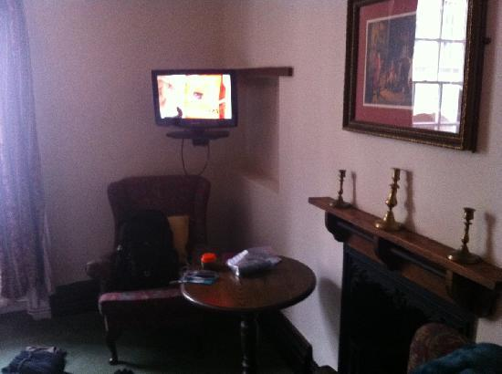 Punch House Monmouth : The TV, table and chairs