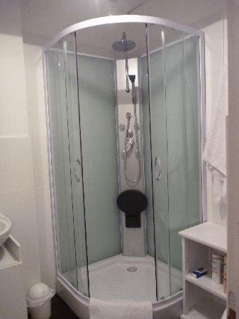 Chez Edell: Bathroom