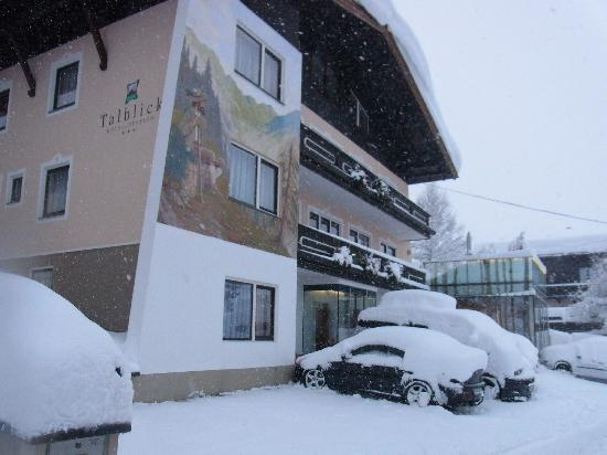 Hotel Talblick: Das Talblick von vorne