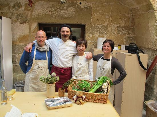 PATH walks, talks & beyond : Andrea, Chef Simone Biso, me & Angela (from left to right) - class in a vinery in Otranto