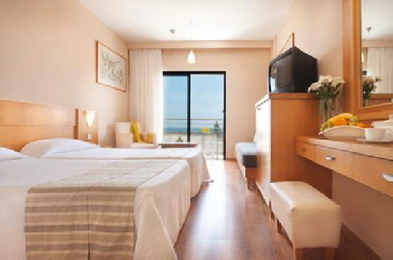Louis Phaethon Beach: Standard room