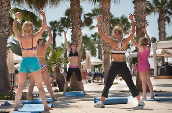 Louis Phaethon Beach : activities
