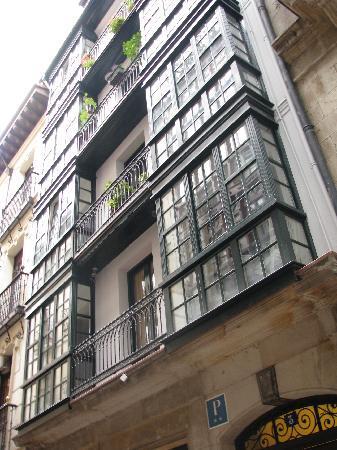 Bilborooms: Застекленные балконы - эркеры, благодаря которым внутри светло и уютно