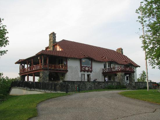 Weeks State Park: The Weeks Estate