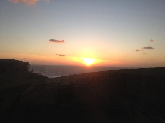 Belle Tout Lighthouse: The beautiful view of the sunrise from our room!