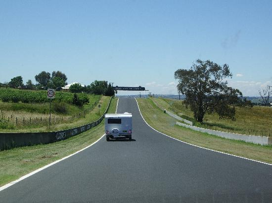 Mount Panorama Motor Racing Circuit: Caravan racing around the track