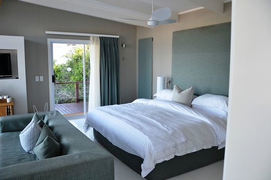 White Pearl Resorts, Ponta Mamoli: Private Villa with outdoor shower - Photo Janneke Nijenhuis Jan 2012