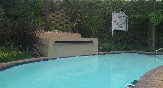 StayEasy Pretoria: Pool