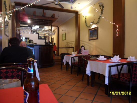 Kiti Restaurant: interior