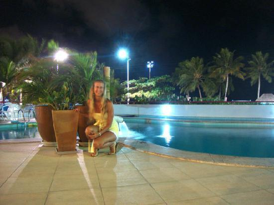 Maceio Mar Hotel: Pileta a la noche