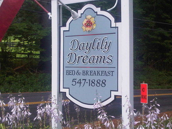 Daylily Dreams B&B: Sign of the place