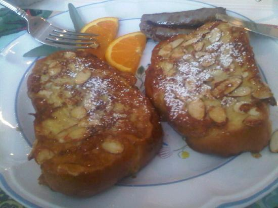 Daylily Dreams B&B: The best French Toast I ever had