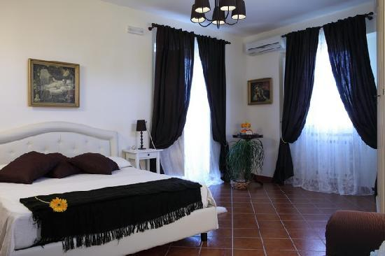 Villa Concetta: One of the bedrooms