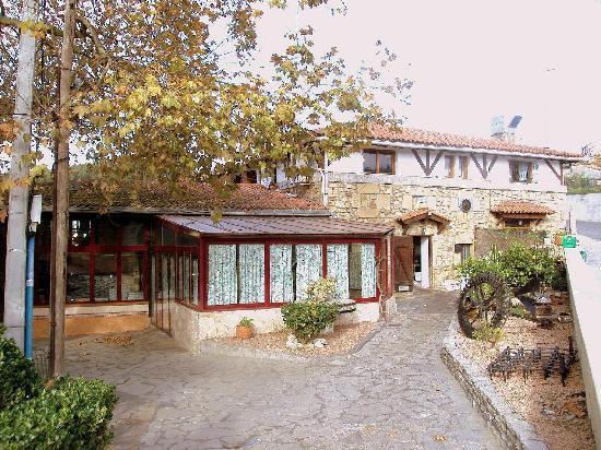 Cervecera El Molino: Edificio y zona de cervecera.