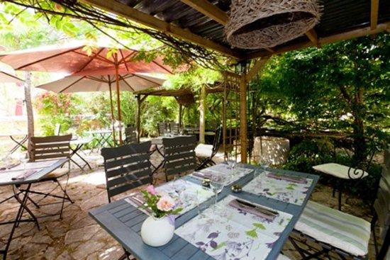 Brantome, فرنسا: la terrasse
