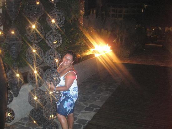 Cabo Azul Resort: Pretty picture in front of Javier's