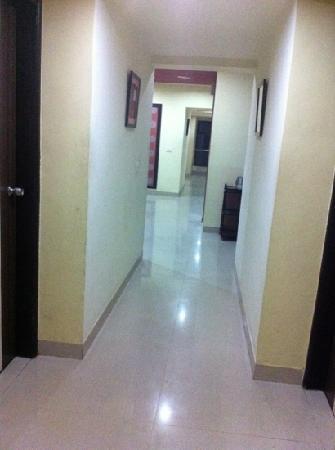 Savshanti Towers: light airy corridors