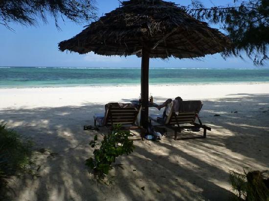Anna of Zanzibar : Beach relaxation