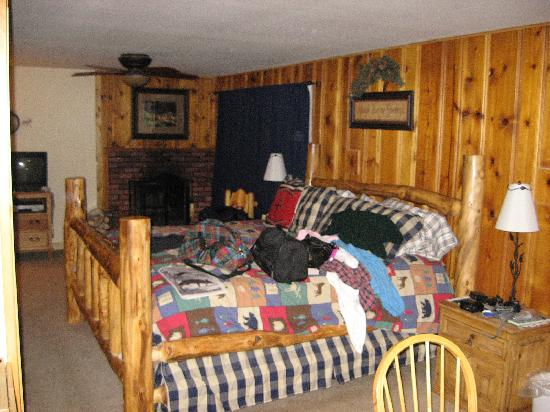 Fall River Cabins: Excellent King Size Bed