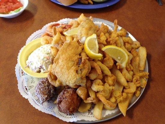 Corky Bells Seafood Restaurant: seafood platter - yum!