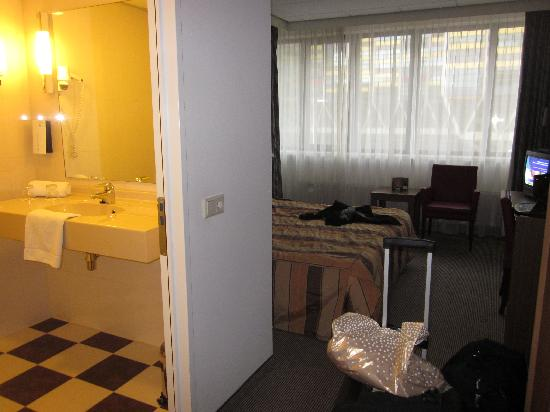 Tulip Inn Leiden Centre : habitacion