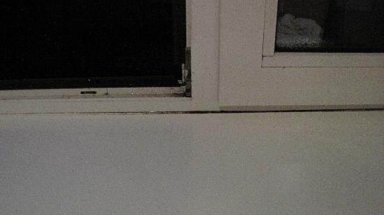 Hotel Aquarius: Fensterschimmel und Schwitzwasser