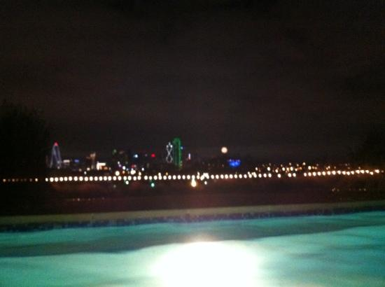 Belmont Hotel: view of the city from the pool
