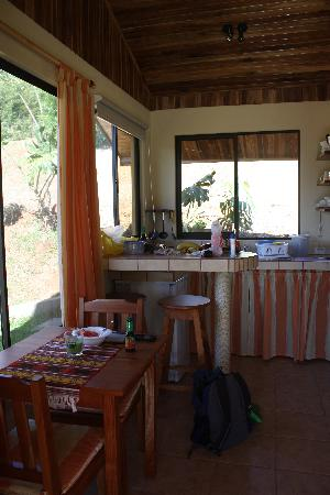 El Paraiso Verde B&B: Inside the cabin