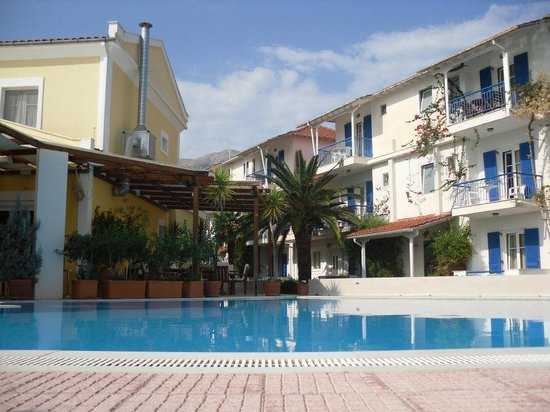 Sapho apartments nidri lefkada specialty hotel for Specialty hotels