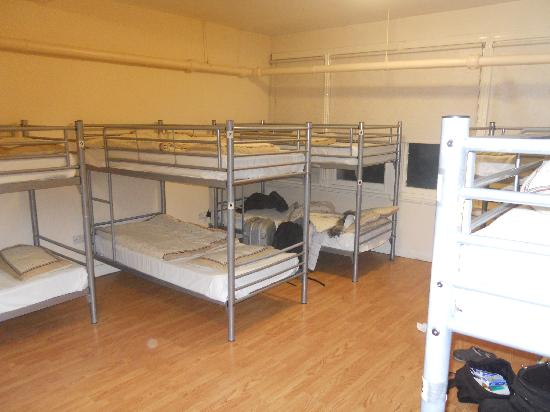 Hatters Hostel on Newton Street: Dorm - Interior
