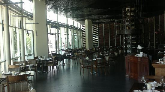 Hotel Dreams Valdivia: Restaurant groundfloor