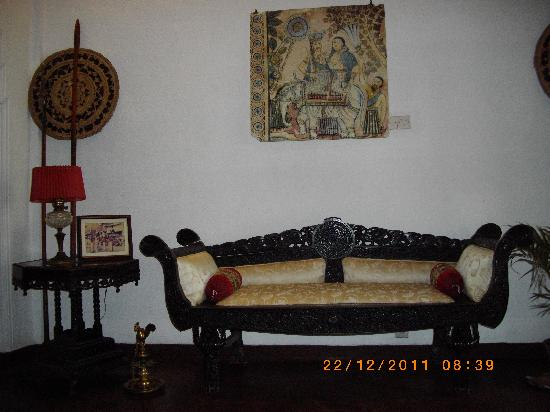 Madugalle Friendly Family Guest House: Mr.Madugale's beautiful painting in living room