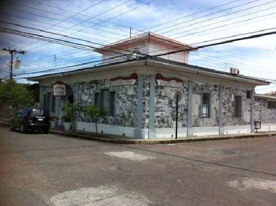 The historic house, now Posada de la Calle Real