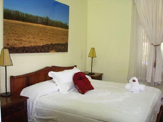 Posada de la Calle Real: Room #3 with private bathroom, ac, tv, etc