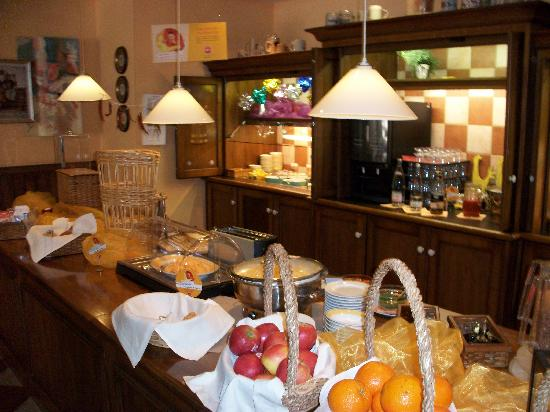 Ibis Nuernberg City am Plaerrer: Buffet