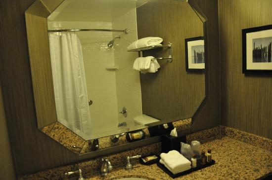 Sheraton Cerritos Hotel at Towne Center: Lavabo