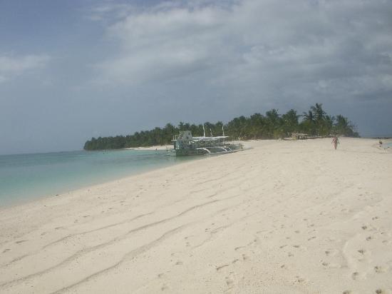 Ocean Vida Beach & Dive Resort: Calangaman Island