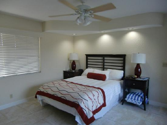 Wyndham Sea Gardens Bedroom With Ceiling Fan And New Air Conditioning Unit