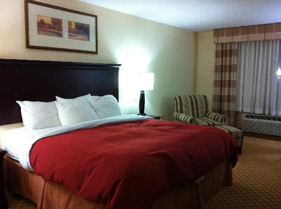 Country Inn & Suites By Carlson, Wytheville: King Bed Room