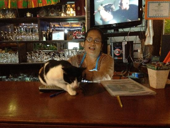 Motherhouse Bar- Restaurant: mother and their cat