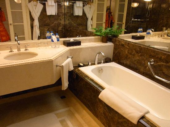 JW Marriott Hotel Seoul: バスルーム