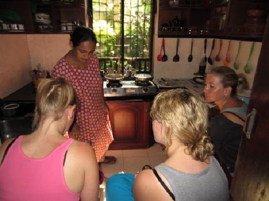 Motty's Homestay: Cooking lesson