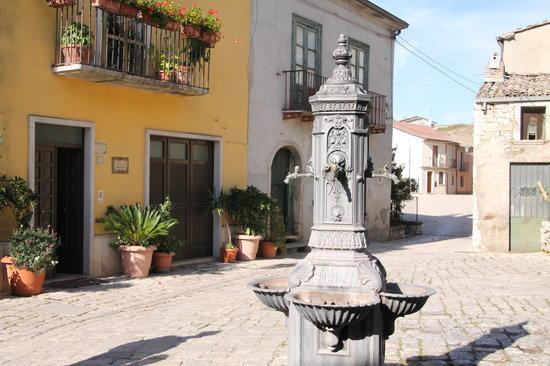 B&B Vicidomini : picturesque town square